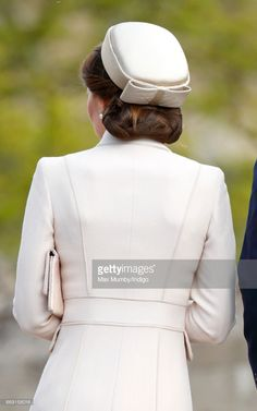Catherine, Duchess of Cambridge attends the traditional Easter Sunday church service at St George's Chapel, Windsor Castle on April 2017 in Windsor, England. (Photo by Max Mumby/Indigo/Getty Images) Pillbox Hat, Fascinator Hats, Fascinators, Queen Kate, Princess Kate, Duchess Kate, Duchess Of Cambridge, Turbans, Kate Middleton Hats