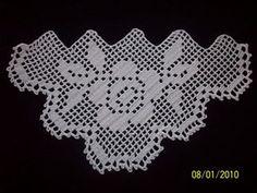 Dantel Mutfak Takımı Modelleri Dantel Mutfak Takımı Modelleri Buzdalabi örtüsü olarak örülen bir dantel model bunu Kayseride bir çeyizcide çekmistim fakat adini hatırlaya...  #Dantel #DantelMutfakTakımı #dantelmutfaktakımımodelleri #dantelmutfaktakımıörnekleri Filet Crochet, Hand Crochet, Crochet Stitches, Crochet Edgings, Crochet Clothes, Diy And Crafts, Cross Stitch, Embroidery, Knitting