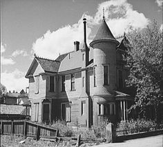 My bedroom was in the turret when I stayed with Evelyn. Old Victorian house, Leadville, Colorado, Abandoned Houses, Abandoned Places, Old Houses, Abandoned Castles, Colonial, Old Victorian Homes, Victorian Houses, Art Nouveau, Leadville Colorado