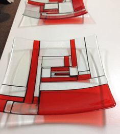 Mondrian modern art glass centrepiece inch called Mondrian Scarlet a fun… Slumped Glass, Fused Glass Plates, Fused Glass Ornaments, Fused Glass Art, Mosaic Glass, Scarlet, Faux Stained Glass, Stained Glass Patterns, Glass Fusion Ideas