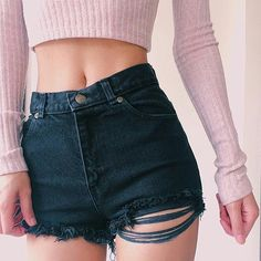 Find and save up to date fashion trends and the latest style inspiration, ootd photography and outfit looks Shorts Style, Outfit Online, Corps Parfait, Summer Outfits, Cute Outfits, Diy Summer Clothes, Lingerie, Grunge Style, Inspired Outfits