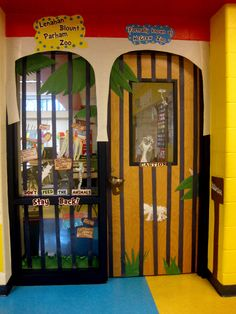 This should be Machristie and Ingram's two doors. School can be a zoo. Dr Seuss Door Display and Bulletin Board Ideas If I Ran A Zoo Dr. Seuss, Dr Seuss Week, Jungle Theme Classroom, Classroom Themes, Classroom Setting, Preschool Classroom, Door Displays, Library Displays, Library Themes