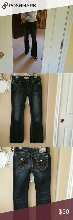 """EUC MEK Nadal Dark Wash Jeans These EUC MEK Nadal Dark Wash Jeans from Buckle have a rise of 21.5"""", waist 28"""" and 32"""" length. They are 99% cotton and 1% Spandex. MEK Jeans Boot Cut"""