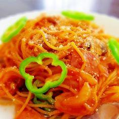「昔ながらのスパゲッティ★これぞ王道ナポリタン」ケチャップ多め、相当ジャンキーなナポリタンです(笑)♪【楽天レシピ】
