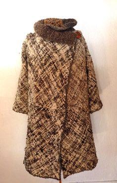 Abrigo tejido a telar Duwen-kal Loom, Hand Weaving, Fur Coat, Textiles, Knitting, Sewing, Fabric, Pattern, Sweaters