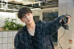[iKON] iKON TV MAKING FILM 김동혁 No.07 cr: LIPSS Ikon Debut, Ikon Wallpaper, Dancing King, Kim Hanbin, Kim Dong, New Kids, Yg Entertainment, Mix Match, Amor