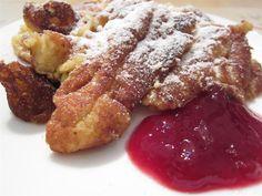 Császármorzsa eredeti receptje - ahogy Ausztriában készítik. És vajon miért más, mint amit mi császármorzsának hívunk? Neked melyik ízlik jobban? Sweet Cakes, Rustic Christmas, Wok, French Toast, Recipies, Food And Drink, Sweets, Meals, Dishes