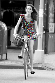 Alexa Chung happy on a Schwinn