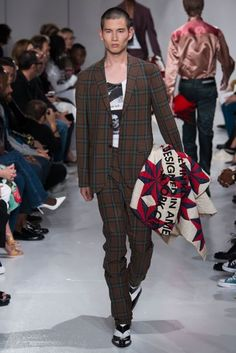 Calvin Klein 205W39NYC Spring/Summer 2018 Ready to Wear | British Vogue