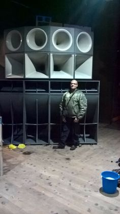 Pin by Adrian Smith on Speaker Design in 2019 Pro Audio Speakers, Big Speakers, Horn Speakers, Speaker Plans, Speaker System, Audio System, P A System, Wall Of Sound, Dj Gear