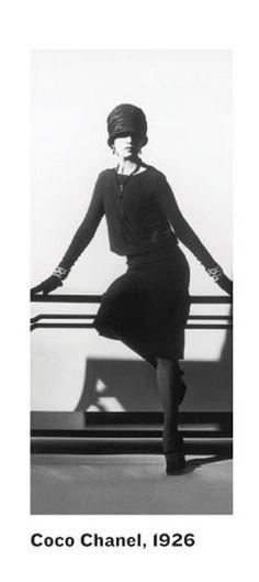 Chanel vintage little black dress Chanel Vintage, Vintage Beauty, 20s Fashion, Chanel Fashion, Fashion History, Vintage Fashion, Fashion Clothes, Trendy Fashion, Coco Chanel Mode