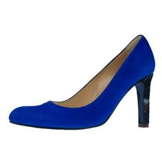 This Jacky heel is a timeless and elegant pump, whit a charming heel of 8.5 centimters. This pump has a more pointed nose and a narrow heel. This pump is available in many bright colors. Create your own Jacky pump here: http://myown-style.com/product/jacky/20781/1031/1065 #Jacky #heels #heel #pumps #highquality #high #quality #manybrightcolors #many #brightcolors #colors #blue #darkblue #snake #black #leather #suede #create #your #own #createyourown #unique #elegant #allseasons #party…