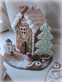 Cool Gingerbread Houses, Gingerbread House Designs, Gingerbread House Parties, Christmas Gingerbread House, Cottage Christmas, Pink Christmas, Christmas Home, Christmas Crafts, Christmas Decorations