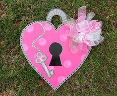 Valentine door hanger,Valentine door hanger, valentine wreath,valentine cupcake…