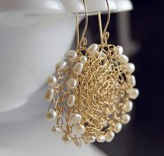 Crochet with added beading.                                                                                                                                                                                 Mais