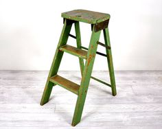 Vintage Folding Step Stool or Step Ladder Entryway Stairs, Folding Ladder, Loft Interior Design, Vintage Industrial Decor, Loft Interiors, Kitchen Stools, Old Wood, Ladder Decor, Step Stools