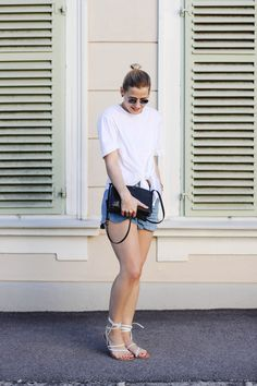 tifmys – Ray Ban Round Metal sunnies, Zara knotted shirt, H&M scallop shorts, Céline trio bag & Asos lace-up sandals.