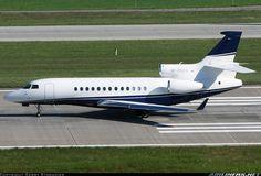 Dassault Falcon 7X, Pacelli Beteiligunges, M-ROLL, cn 40, built 2008, Pacelli delivered 6/2009. Foto: Zurich, Switzerland, 10.9.2011.