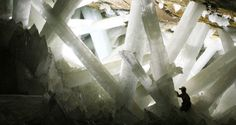 NASA Scientists Discover Mysterious Life Forms Hibernating Inside Giant Mexican Cave Crystals - http://all-that-is-interesting.com/microbes-crystal-caves?utm_source=Pinterest&utm_medium=social&utm_campaign=twitter_snap
