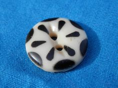 Vintage China Button Black Stencil