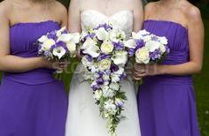 Stockfoto - bruid · bruiloft · paars · bloemen · handen · voorjaar © Lee Avison (leeavison) (#1901045)   Stockfresh