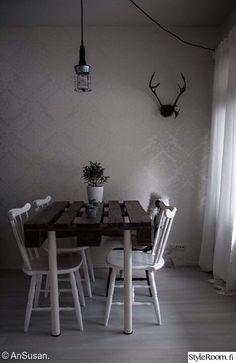kuormalavapöytä,kuormalavat,kuormalava,pöytä,valkoinen,poronsarvet