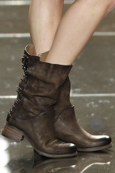 I want a pair of these. By Luis Onofre in Portugal Fashion Fall/Winter 2012