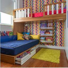 Rafaela, de 6 anos, e Vitor, de 4, convivem em perfeita harmonia nesse quarto cheio de boas ideias, projeto da @thelittledoorstudio . Estreia de hoje no NaToca! Vai lá ver! Foto de @sambacine. @#natoca #natocadesign #quartodecrianca #kidsroom #kidsdecor #kidsstyle #instadecor #instakids #quartoinfantil #deco #decor #decoration #decoracao #decor #designinfantil #kidsinspiration #thelittledoorstudio #sambacine #decoration #decoracaoinfantil #quartocompartilhado #quartodecrianca