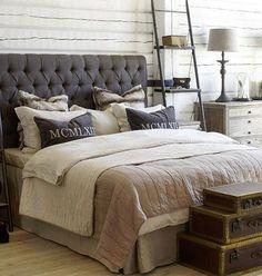 Sänggavel, brun beige inredning