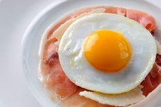 ▷ 3 snadné recepty na volské oko (aktualizováno 2020) Delicious Breakfast Recipes, Bbc Good Food Recipes, Egg Recipes, Cooking Recipes, Game Recipes, Brunch Egg Dishes, Perfect Fried Egg, Tapas, Starter Dishes