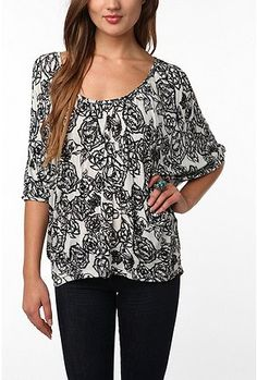 Daydreamer LA Printed Cold Shoulder Oversized Tee at Urban Outfitters
