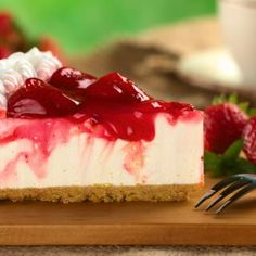Try these super convenient no-bake Cheesecake Recipe. Watch how to make a quick-and-easy cheesecake that needs no baking! Cheesecake is one of our most popul. Homemade Cheesecake, Keto Cheesecake, Strawberry Cheesecake, Strawberry Syrup, Peppermint Cheesecake, Strawberry Topping, Skinny Cheesecake, Cheesecake Pops, Cheesecake Recipes