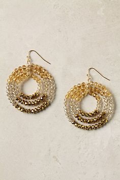 May have already pinned these...  Would be interesting to try with seed beads and thin wire?