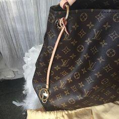 Authentic Never Used Louis Vuitton Artsey MM Handbag - My Designer Vintage Closet