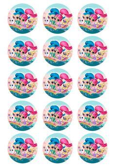 Papel de azúcar con preciosos motivos diseñados por Julia Guarch, creadora del blog Postreadicción. ¡Es muy versátil! Úsalo para decorar tartas, galletas, cupcakes... Es un papel flexible, resistente, brillante, con colores y dibujos muy nítidos. Se puede pegar directamente sobre galletas, usando un poco de pegamento comestible, o bien sobre fondant o glaseado (húmedo o seco). Este papel de azúcar es la combinación perfecta para usar con el cortador círculo de Postreadicción 5 cm.