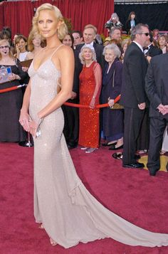 The 30 Best Oscar Dresses Of All Time Charlize Theron in Gucci 2004
