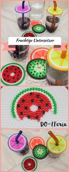 sommerliche Untersetzer mit Fruchtmotiven aus Bügelperlen, welche auch als Glasabdeckung gegen fliegende Tiere im Garten benutzt werden können.
