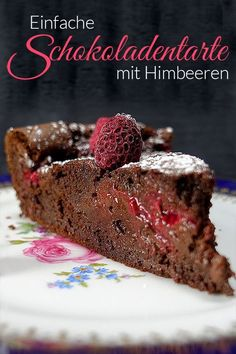 Simple chocolate tart with raspberries - from my saucepan- Einfache Schokoladentarte mit Himbeeren – Aus meinem Kochtopf This juicy chocolate tart or chocolate tart lets … - Easy Cheesecake Recipes, Easy Cookie Recipes, Baking Recipes, Dessert Recipes, Food Cakes, Crema Fresca, Cake Cookies, Yummy Cakes, No Bake Cake