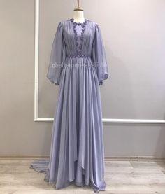 Modest Fashion, Hijab Fashion, Fashion Dresses, Muslim Girls, Muslim Women, Evening Dresses, Prom Dresses, Wedding Dresses, Simple Hijab