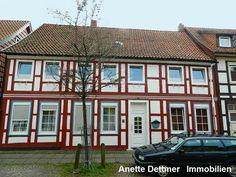 ZU KAUFEN! 1-2-Familienhaus in Alfeld Innenstadt. Weitere Informationen und Angebote unter: www.dettmer-immobilen.de