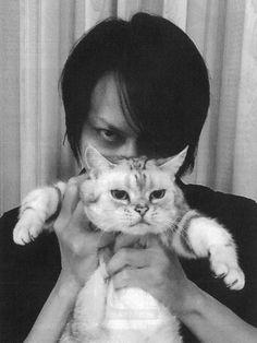 BUCK-TICK 櫻井敦司 猫とあっちゃん。かわかわ。