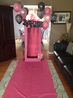 Barbie birthday party - Barbie Box Photo Booth Kate wants a Barbie bday party this year an this would be great Barbie Theme Party, Barbie Birthday Party, 5th Birthday Party Ideas, Birthday Bash, Bday Girl, Slumber Parties, Sleepover, Girly, Barbie Box