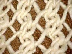Ponto Segredo de Tricô Nº impar de pontos na agulha 1ªcarr.: *2 p. juntos em tricô , 1 laçada* (repetir de * à *) e terminar a...