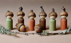Peg doll acorn gnomes created by Lenka Vodicka-Paredes, author of Forest Fairy Crafts. Wood Peg Dolls, Clothespin Dolls, Waldorf Crafts, Waldorf Dolls, Acorn Crafts, Fairy Crafts, Wooden Pegs, Little Doll, Nature Crafts
