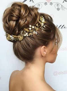 Elstile wedding hairstyles for long hair 49 - Deer Pearl Flowers / http://www.deerpearlflowers.com/wedding-hairstyle-inspiration/elstile-wedding-hairstyles-for-long-hair-49/