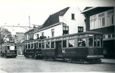 Haarlemse Tram op de binnenweg in Heemstede.*