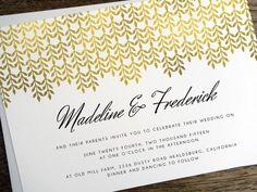 Eine atemberaubende Goldeffekt Hochzeitseinladung Vorlage zum Selberdrucken. Eine großartige Möglichkeit, eine Champagner Hochzeit auf einem Bier Budget zu schaffen.
