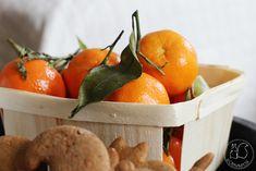 Oravanpesä: PIENEN KODIN JOULUKUUSI - 3 erilaista tyyliä. Orange, Fruit, Food, Hoods, Meals