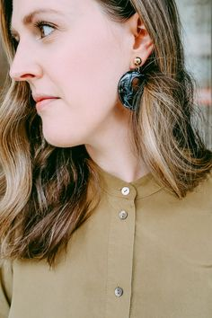 Who loves big earrings? I do. They are so dramatic and are a great accessory if you want to only wear one piece of jewelry.