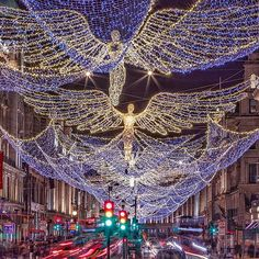 "The ""Spirit Of Christmas"" and 300,000 LEDs in #RegentStreet to kick start our #Christmas